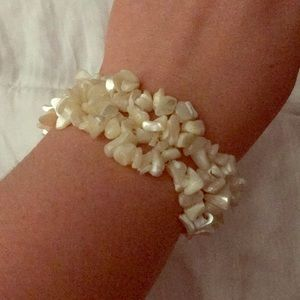 Jewelry - White shell bracelet